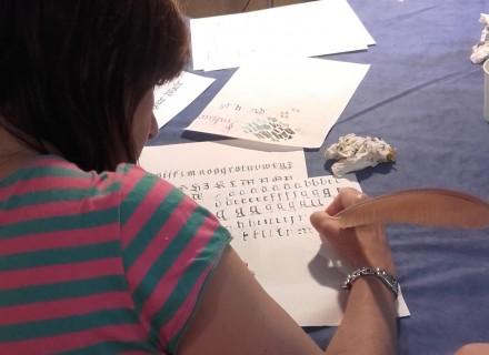 ATELIER ENFANT ET ADULTE : Calligraphie & « REALISATION DE CALLIGRAMMES » avec Lucille Gesta du 10 au 16 août